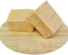 Peanut Butter Cut Fudge with text (1)